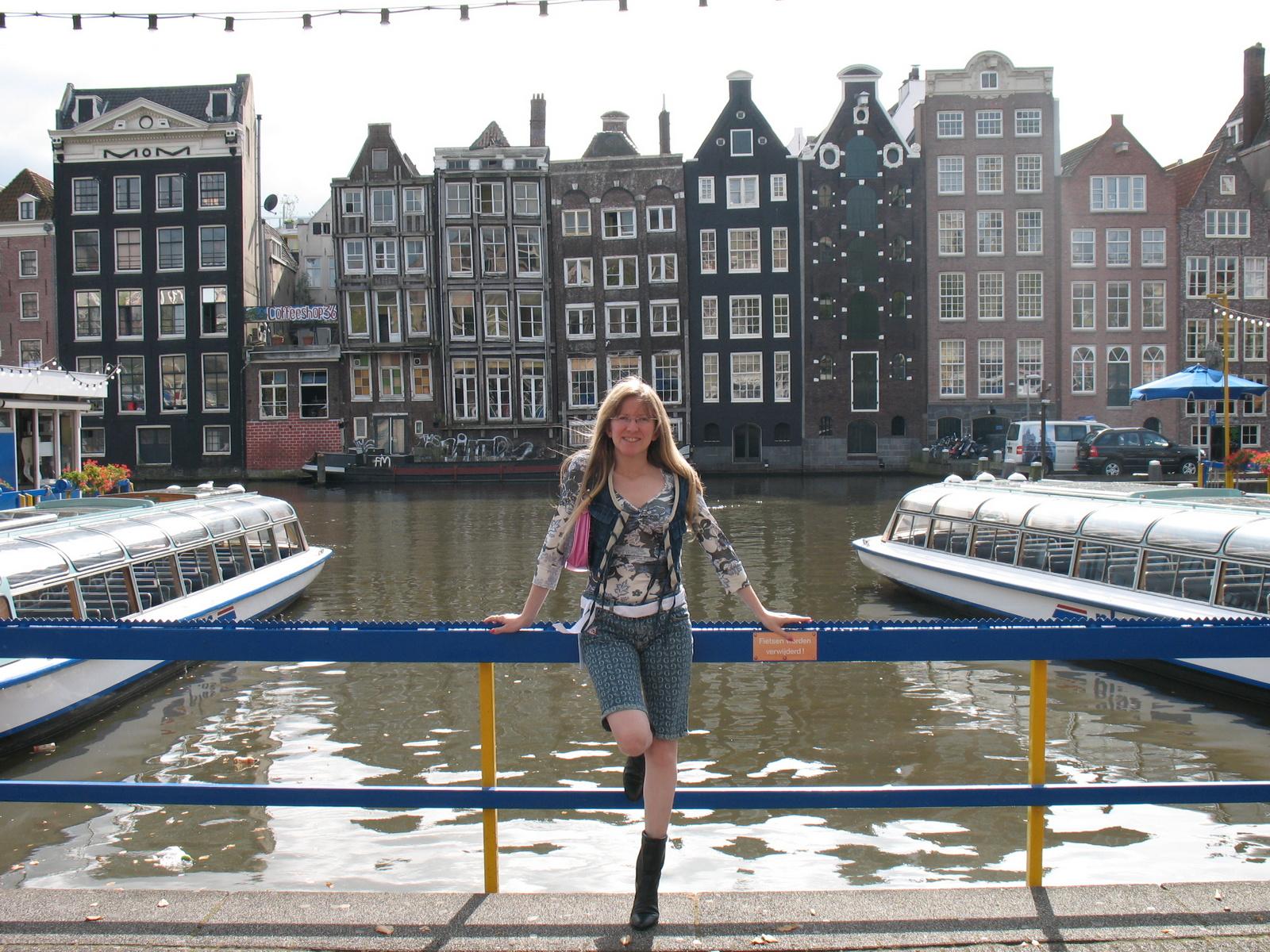 Mulini a vento coffeeshop e tulipani olanda il for Hotel vicino piazza dam amsterdam